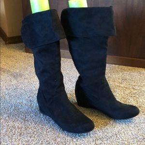 Aldo Black suede boots w/small wedge heel SZ 9 NEW
